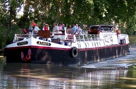 Cruising aboard the Athos on the Canal du Midi in the south of France