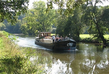 4-passenger Libje, cruising in the Brittany region.