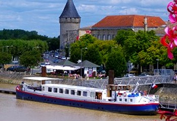 24-passenger Mirabelle, cruising through the Bordeaux region.
